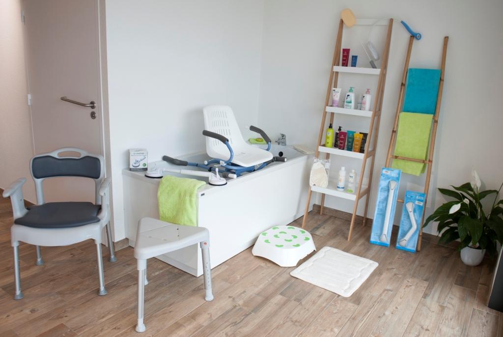 Materiel handicape salle de bain materiel de salle de for Materiel salle de bain